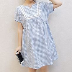 Fashion Street - Maternity Check Short-Sleeve Dress