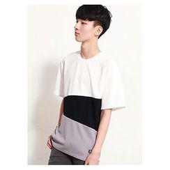 HOTBOOM - Round-Neck Elbow-Sleeve Three-Tone T-Shirt