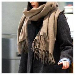 Hats 'n' Tales - Fringed Fleece Scarf
