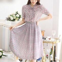 Fumoya - Chevron Midi Chiffon Dress