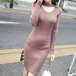 Honeydew - Faux Pearl Cut Out Front Long Sleeve Knit Dress