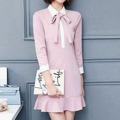 Fashion Street - Ribbon 3/4-Sleeve Dress