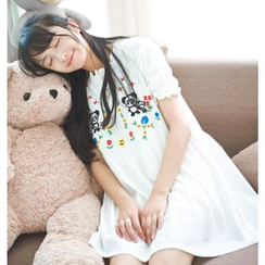 Moricode - Panda Embroidered Short-Sleeve Dress