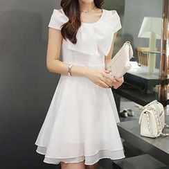 Quintess - Short-Sleeve Bow-Accent Dress