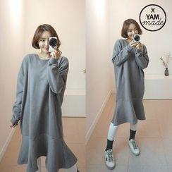 STYLEBYYAM - Ruffle-Hem Brushed Fleece Pullover Dress
