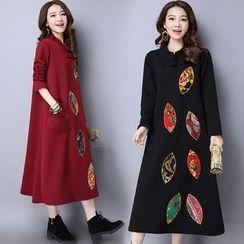 Ebbie - Printed Applique Long Sleeve Mandarin Collar Midi Dress
