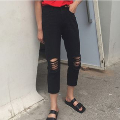 MATO - Knee Ripped Cropped Jeans