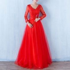 Luxury Style - Lace Appliqué Long Sleeve A-line Evening Gown