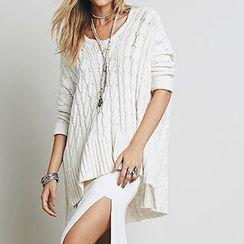 Obel - Cable Knit V-Neck Sweater