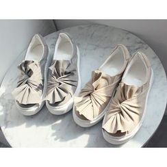 DANI LOVE - Bow-Front Slip-Ons