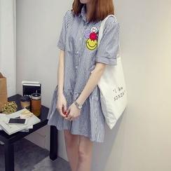 VIZZI - Short-Sleeve Applique Shirtdress
