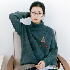 Forest Girl - Christmas Tree Print Turtleneck Sweater