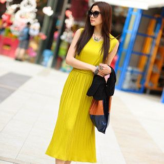 Sleeveless Pleated Maxi Dress