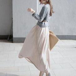 Jolly Club - Set: Sweater + A-Line Long Skirt