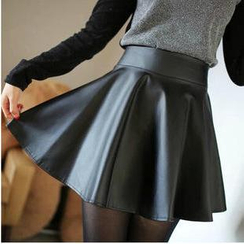 Munhome - Faux Leather  Mini Skirt