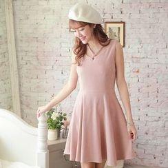 Tokyo Fashion - Cross-Strap Sleeveless Dress