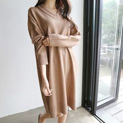 Hello sweety - V-Neck Drop-Shoulder Knit Dress