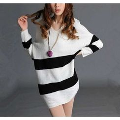 Dream Girl - Colour Block V-neck Knit Top