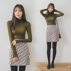WITH IPUN - Turtle-Neck Long-Sleeve Top