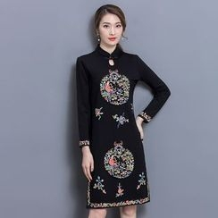 Yumerakka - Slim-Fit Embroidered Cheongsam