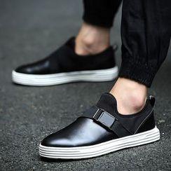 Gerbulan - 插色便鞋
