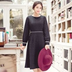 Tokyo Fashion - Long-Sleeve Contrast-Trim Dress