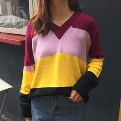 Cloud Nine - Color Block V-Neck Knit Pullover