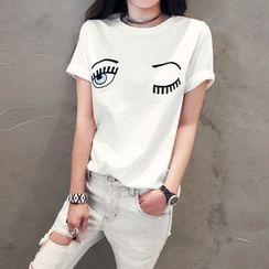 NANING9 - Wink Print T-Shirt