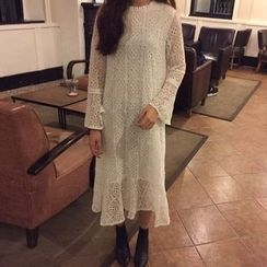 Dute - Bell-Sleeve Midi Lace Dress