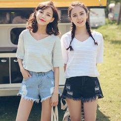 LRUD - Stripe V-Neck Short-Sleeve T-Shirt