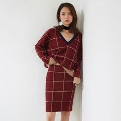 AC - Set: V-Neck Plaid Knit Top + Pencil Skirt