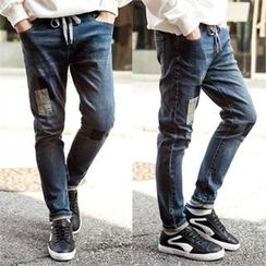 TOMONARI - Drawstring-Waist Patch Tapered Jeans