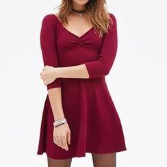 Richcoco - V-neck 3/4-Sleeve Dress
