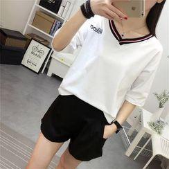 Ukiyo - Elbow-Sleeve V-Neck Short-Sleeve T-Shirt