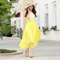 Anzhier - Sleeveless Lace Panel Maxi Dress