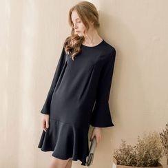 Tokyo Fashion - Long-Sleeve Ruffled Dress