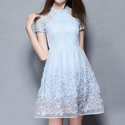 妮佳 - 短袖蕾丝拼接连衣裙