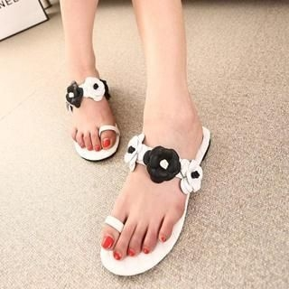 QQ Trend - Camellia Accent Toe Loop Sandals