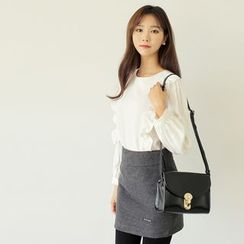 WITH IPUN - Frilled Puff-Sleeve Top