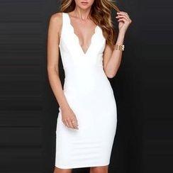 LIVA GIRL - Scallop Trim V-Neck Sleeveless Dress