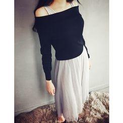 GUMZZI - Set: Off-Shoulder Knit Top + Sleevelss Tulle Dress