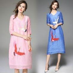 Queen Mulock - Short-Sleeve Embroidery Linen Silk Dress