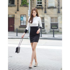 GUMZZI - Mock-Neck Color-Block Dress