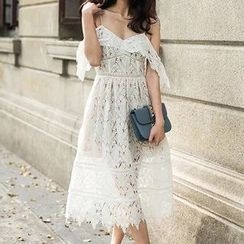 Jolly Club - Off-Shoulder Empire Lace Dress