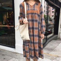 Cloud Nine - Plaid Long-Sleeve Dress
