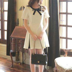 Jolly Club - Ribbon Accent Short-Sleeved Dress