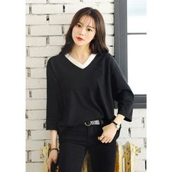 DEEPNY - V-Neck 3/4-Sleeve T-Shirt