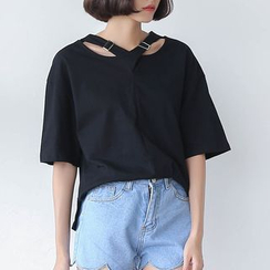 Sens Collection - Cutout Buckled Elbow-Sleeve T-shirt