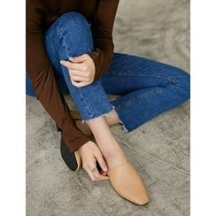 FROMBEGINNING - Cutout-Side Flat Loafers
