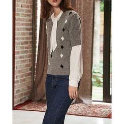 Someday, if - V-Neck Patterned Wool Blend Knit Top